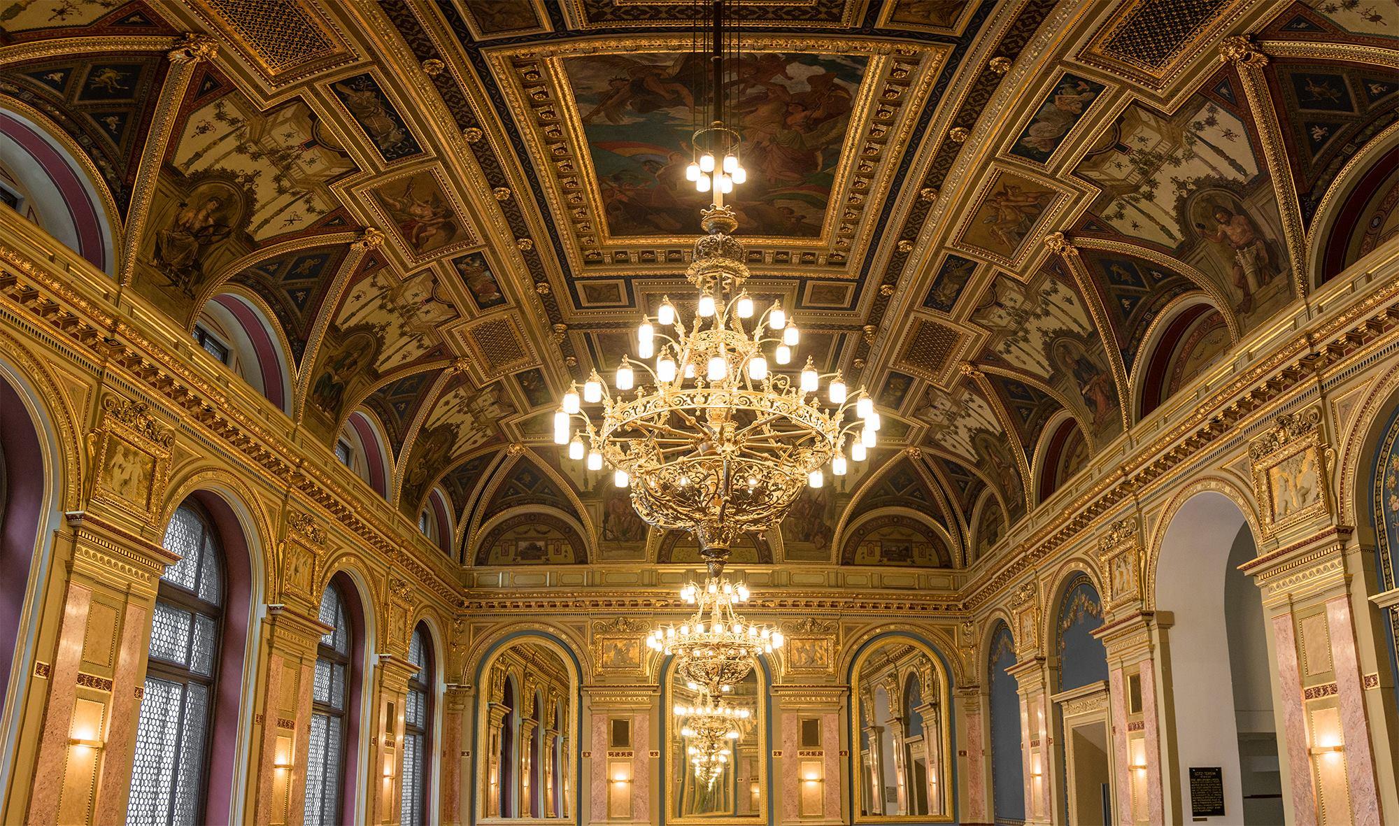 Café Parisi, Budapest, architecture, reopened