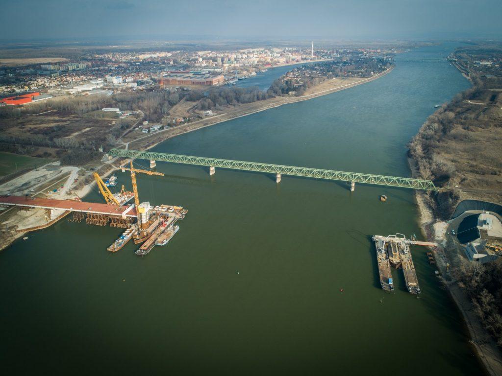 Danube Bridge, Hungary, building, construction