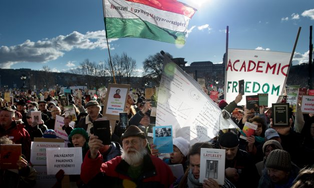 Orbán cabinet plan to reorganise Academy of Sciences triggers opposition protest