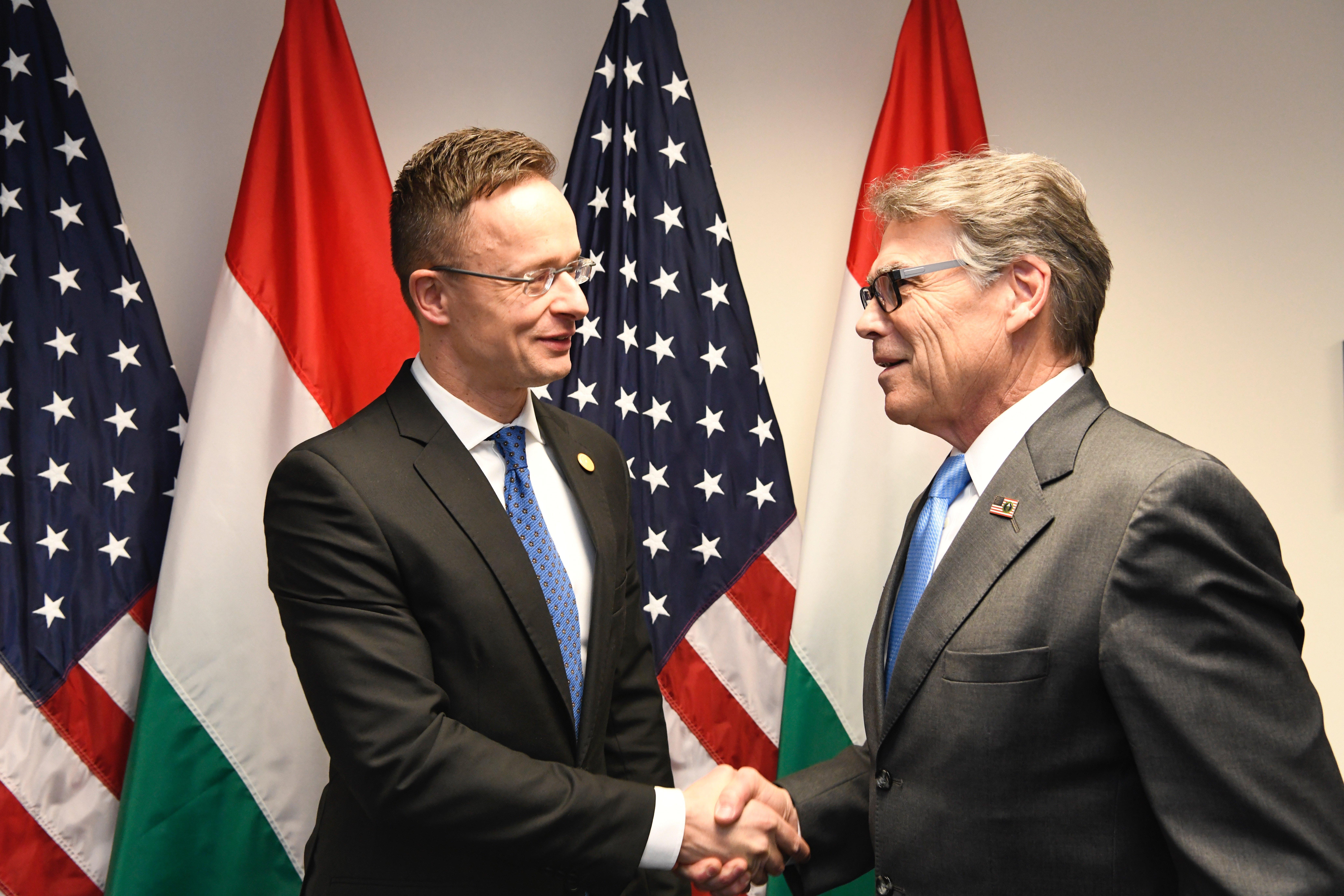 Rick Perr Szijjártó Hungary US