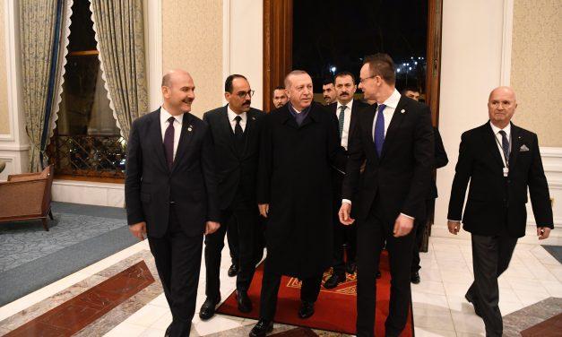 Budapest Process Istanbul round 'battle' between Szijjártó, Avramopoulos, says state secretary