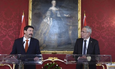 President lauds Hungary-Austria economic ties