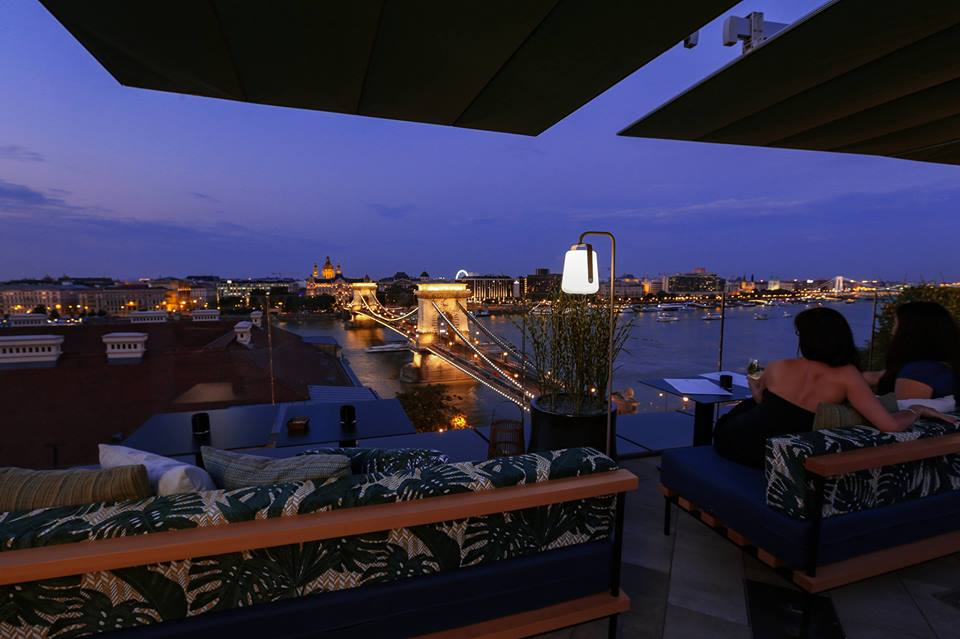 leo rooftop bar budapest