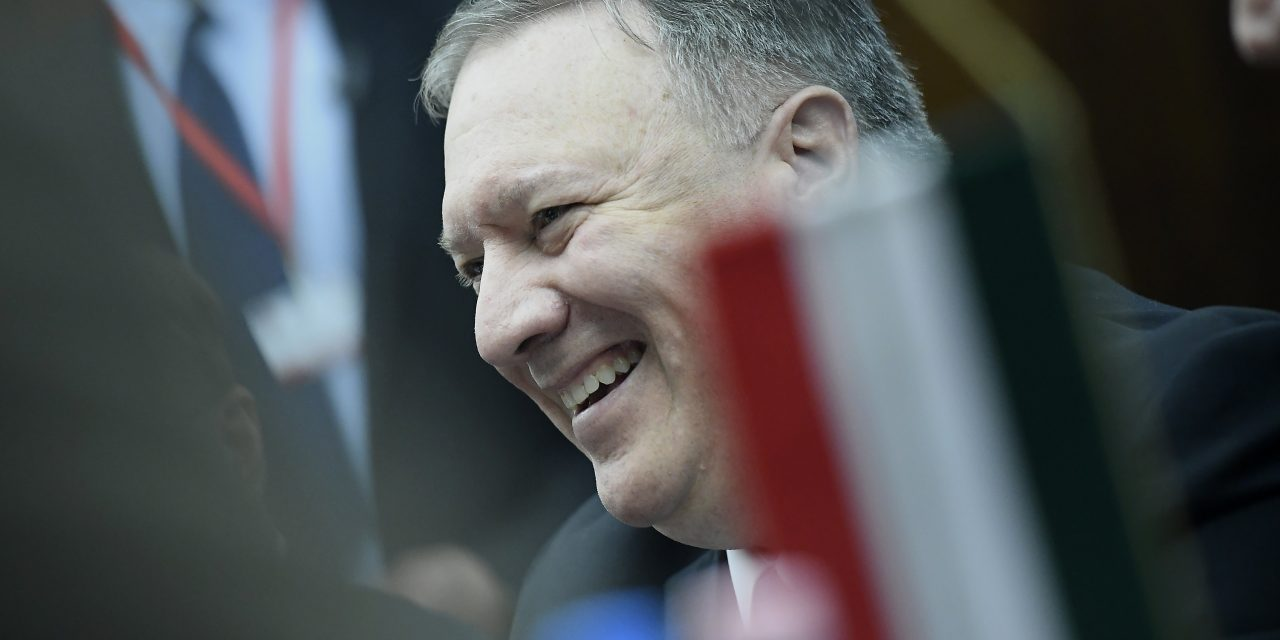 US Secretary of State Pompeo meets NGO leaders in Budapest