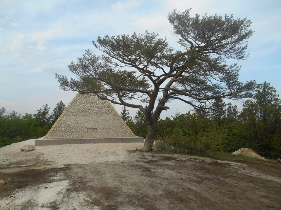 pyramid, stone, Hungary, sight, building