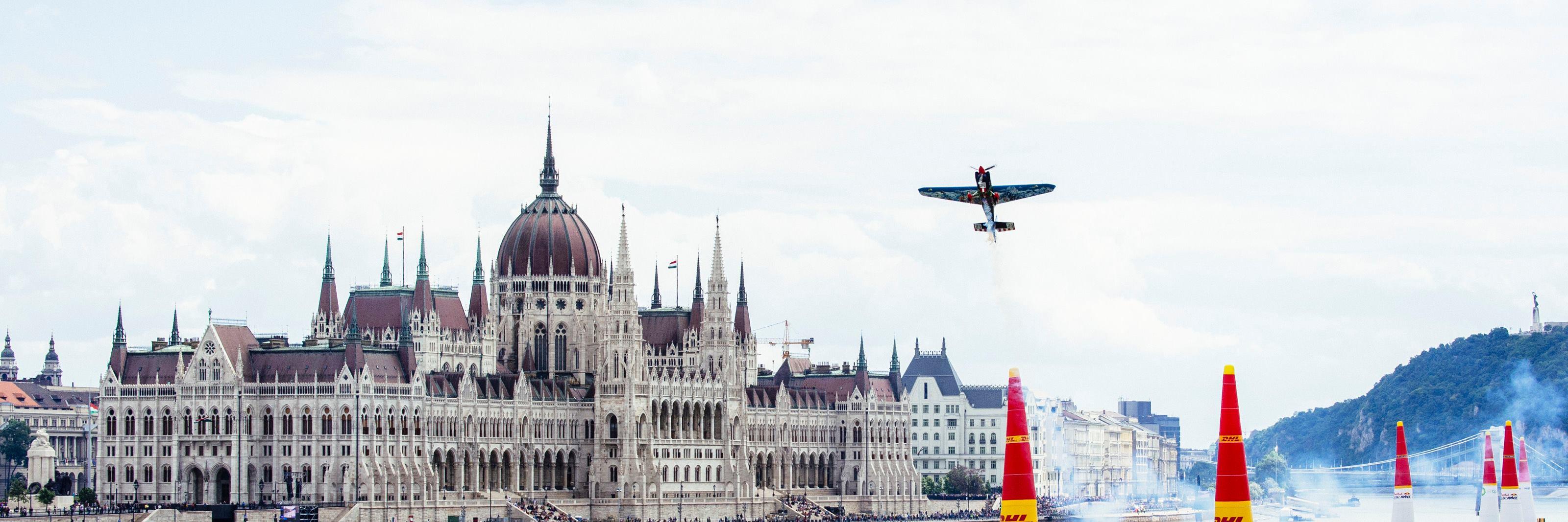 Red Bull Air Race to be held in Zamárdi, Lake Balaton