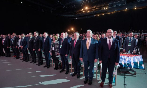 Deputy PM and ethnic Hungarian leaders sign declaration on cooperation in EU