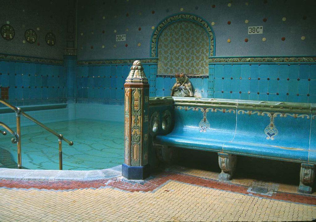 Gellért bath 38 Celsius pool