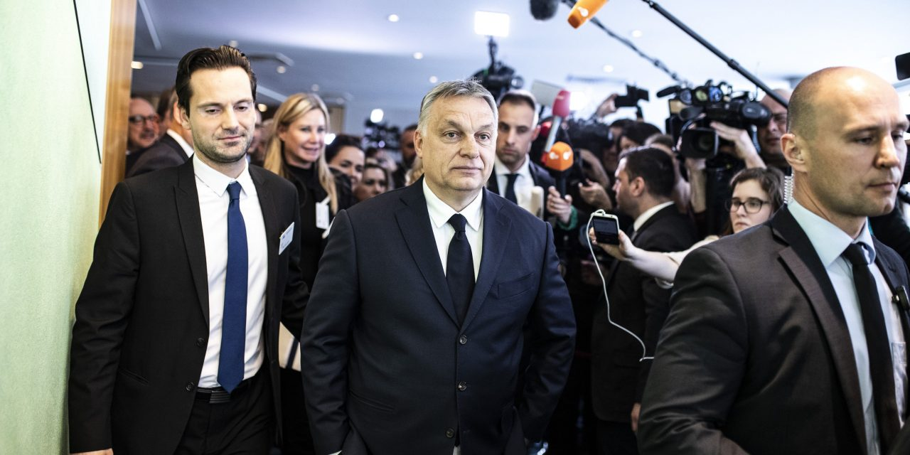 How did the world react to Fidesz's suspension from the EPP?