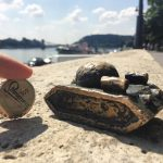 Photos! – Look at the secret mini statues of Budapest!