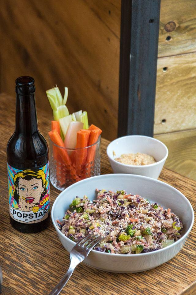 szabad bisztro bistro pub beer vegan