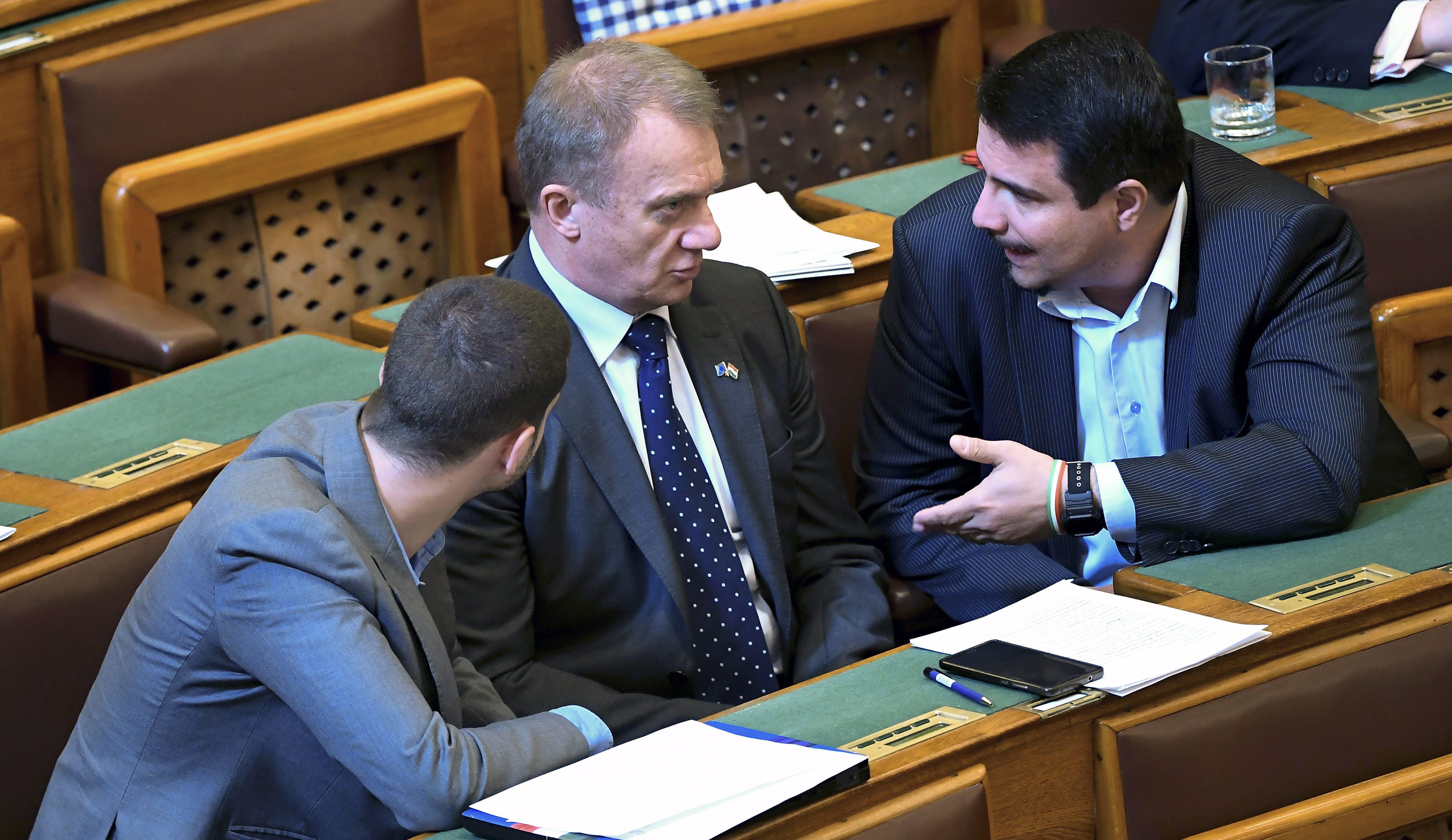MESTERHÁZY Attila; VARJU László; UNGÁR Péter opposition Hungary