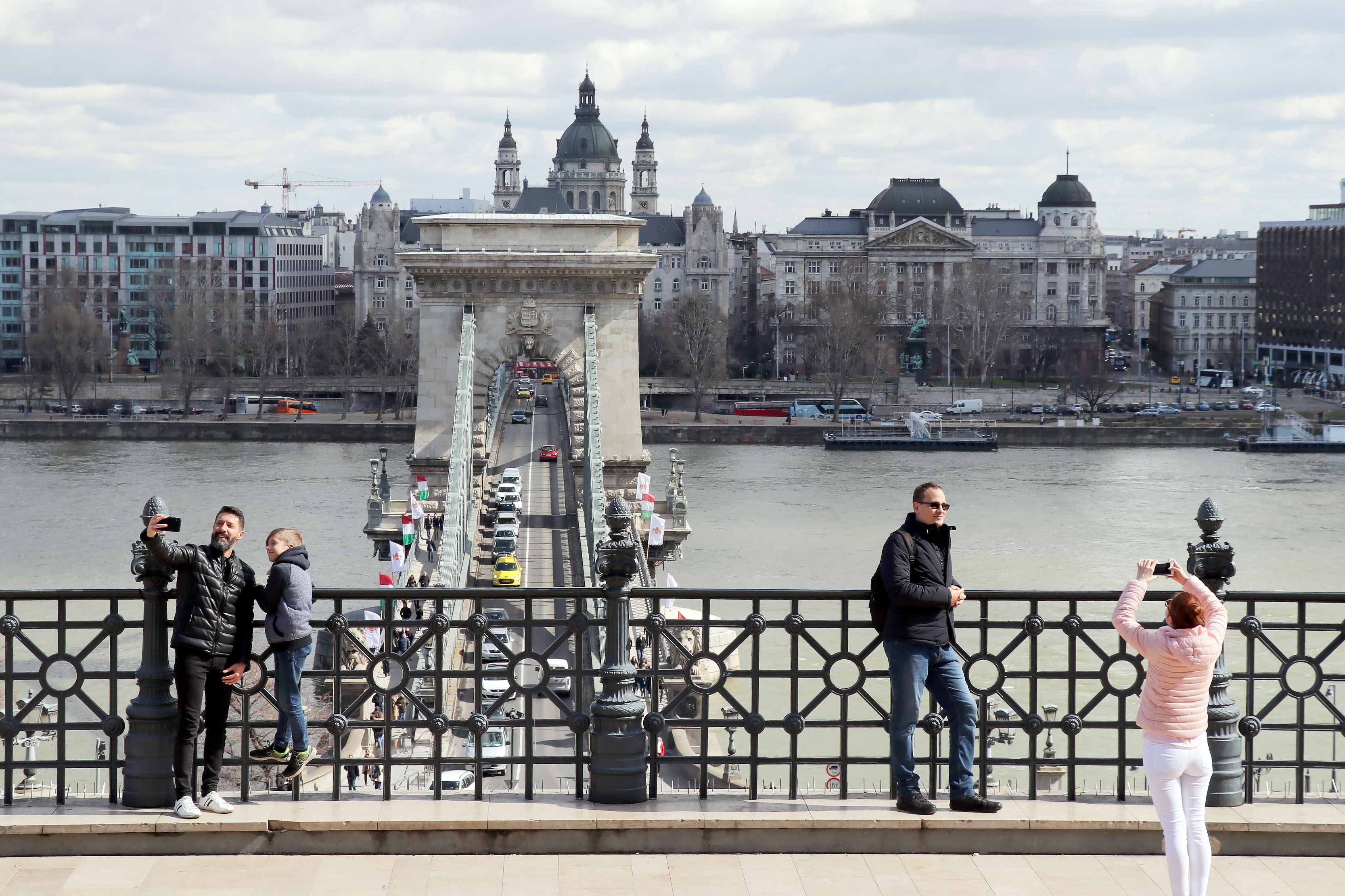 tourism Budapest Hungary Chain Bridge kató alpár