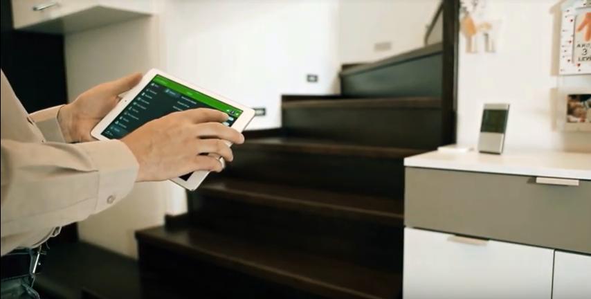 Chameleon Smart Home System