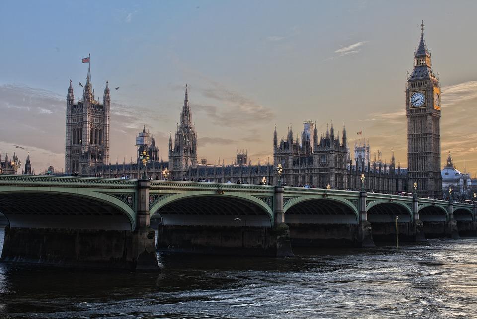 London V4 News Agency Habony
