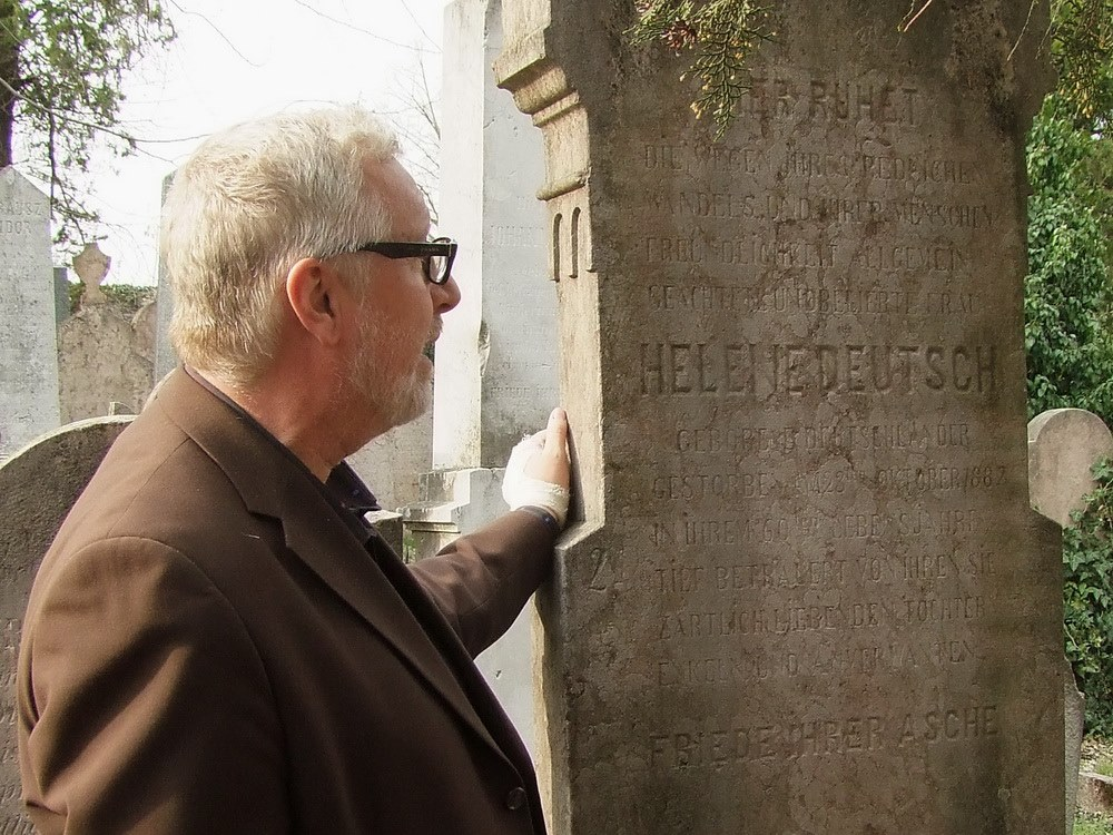 Robert Downey Jr., Hungarian, cemetery, history