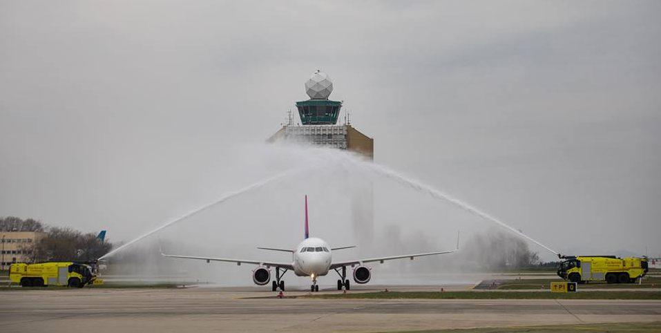 budapest airport runway