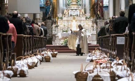Hungarian church heads send Easter messages