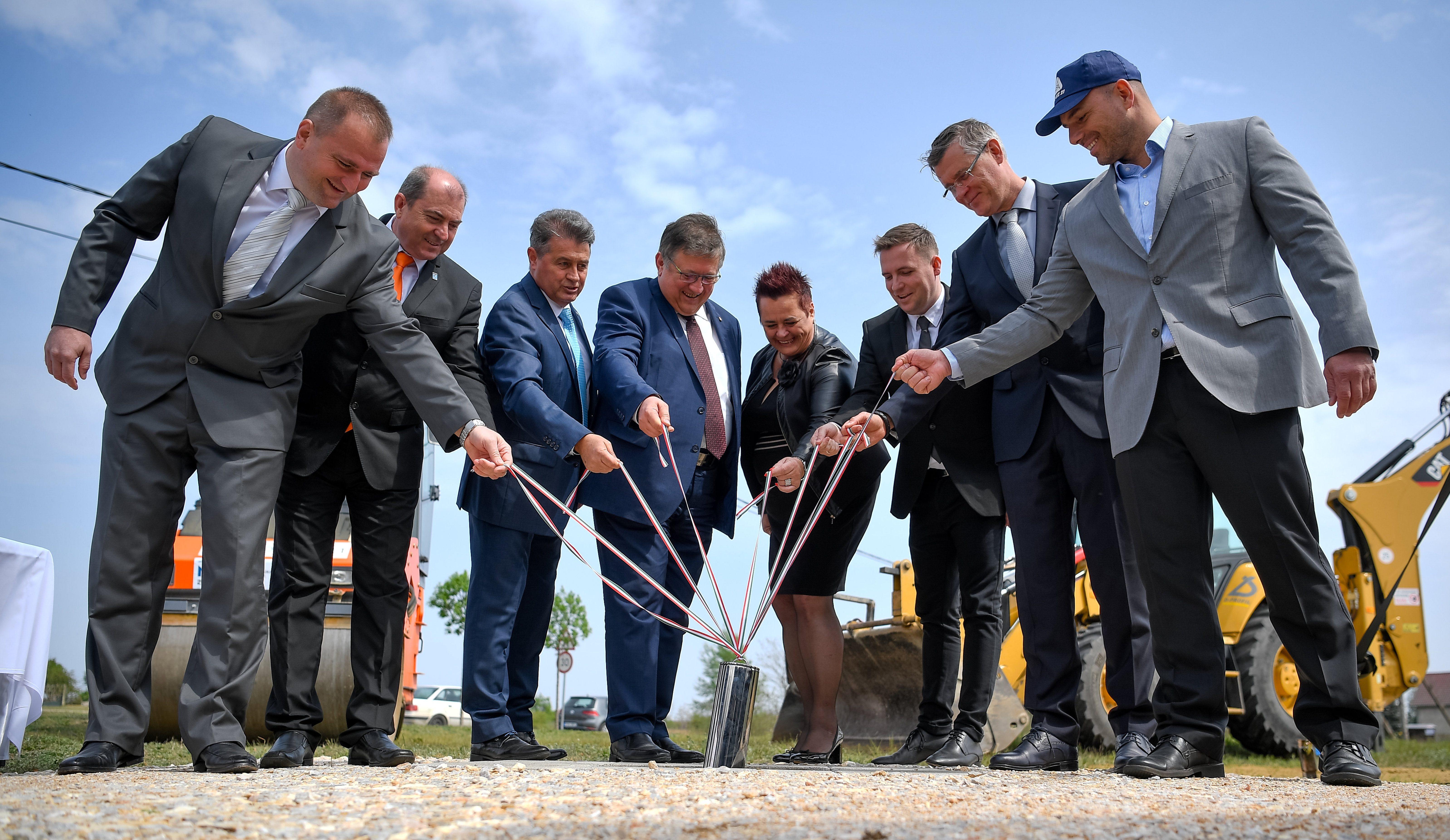 fidesz campaign