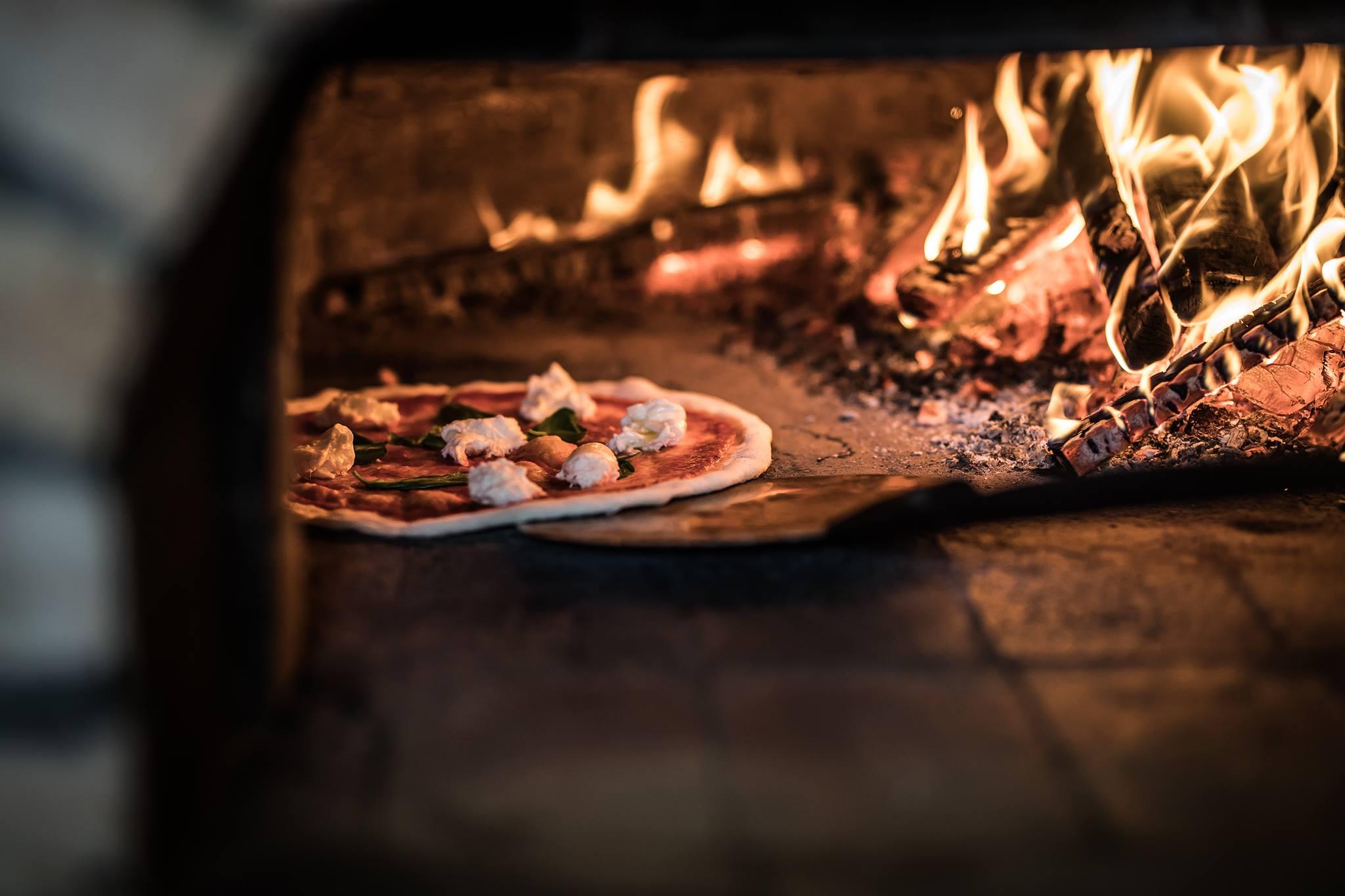 kemencés pizza best restaurant Hungary