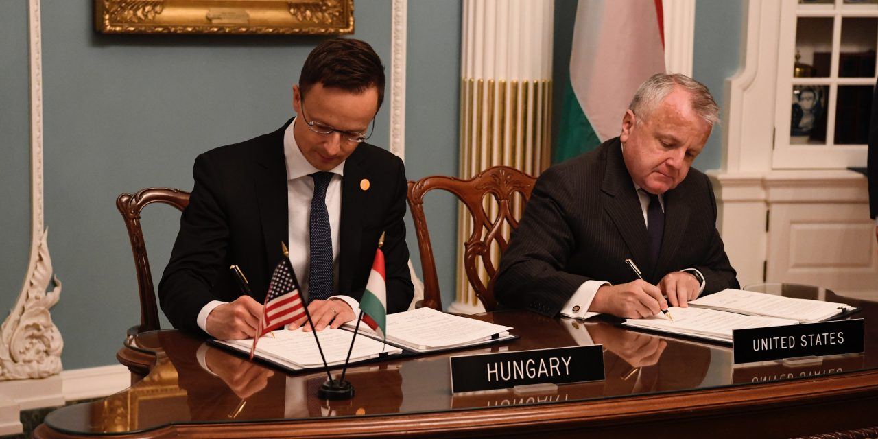 Hungary & USA sign defence cooperation pact