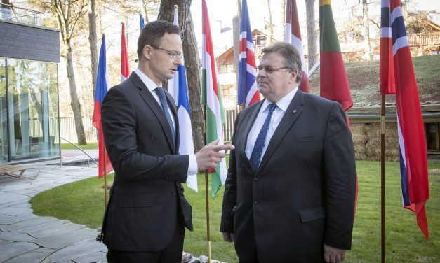 Foreign minister Szijjártó slams 'Brussels' over migration policy