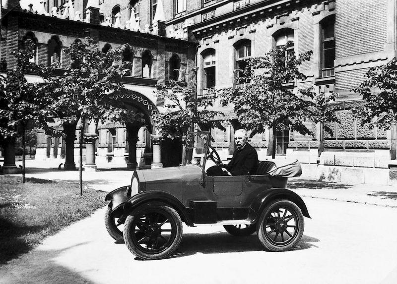 János Csonka, car, Hungarian, first, history