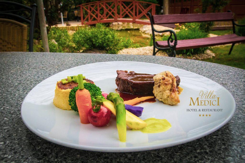 Villa Medici, food, gastronomy, Hungary