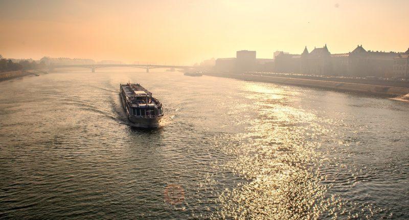 budapest danube boat