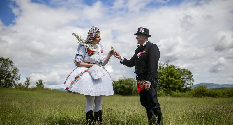 hungarian wedding tradition