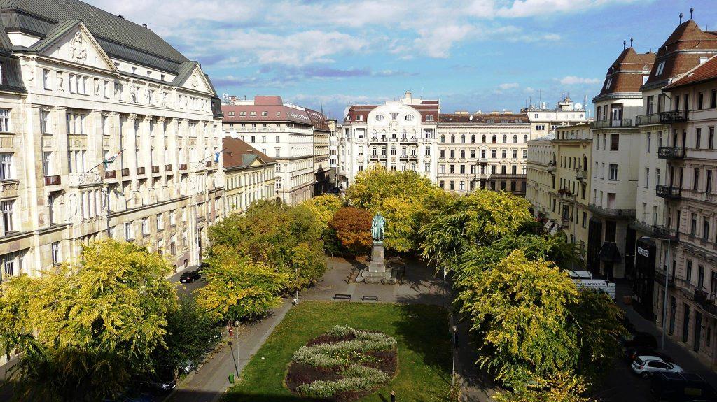 square, budapest, renovation