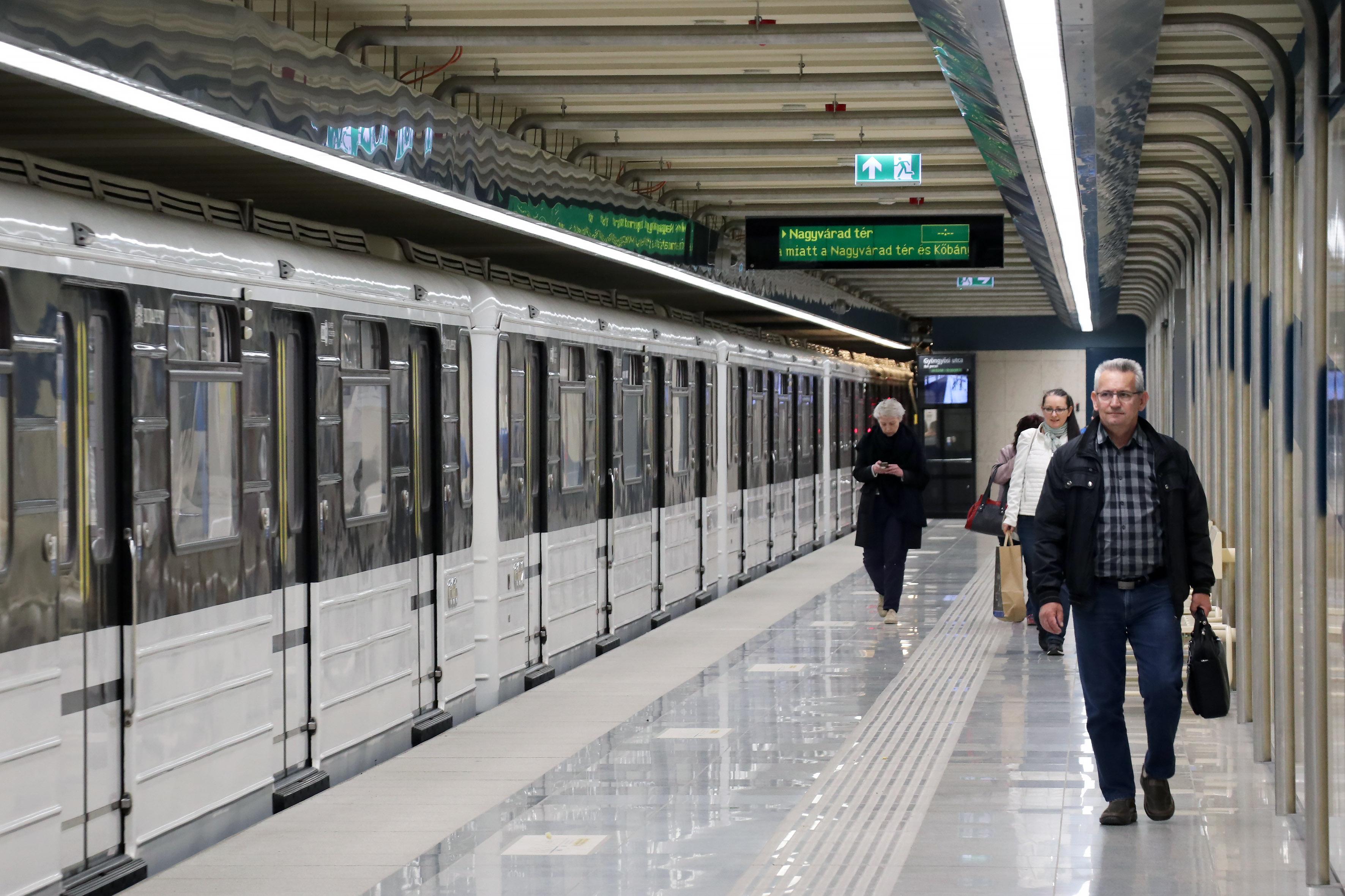 metro budapest m3 hungary photo kató alpár