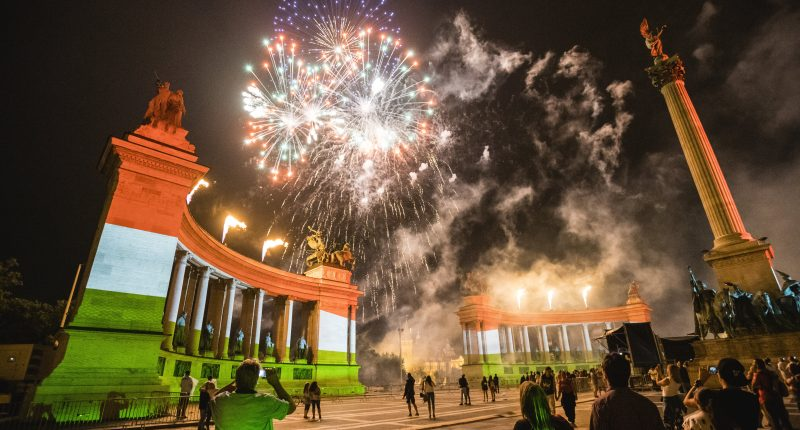 Day of the picture - Fireworks at Heroes' Square