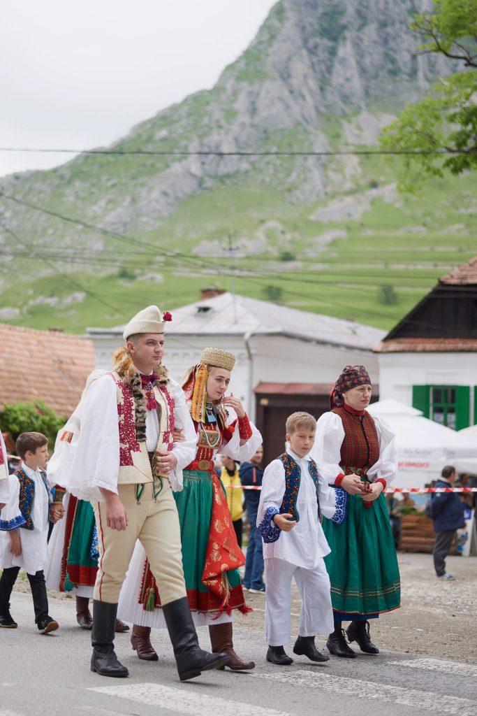 Torockó folk costumes