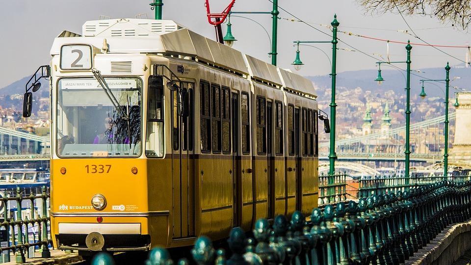 tram transport budapest
