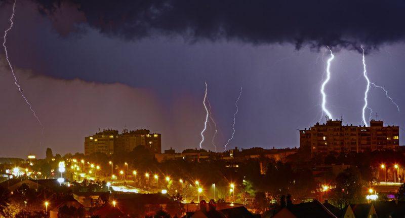 weather rain thunder