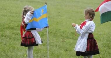 day of a thousand szekler girls