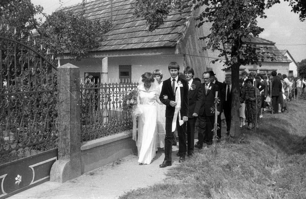 wedding history hungary tradition