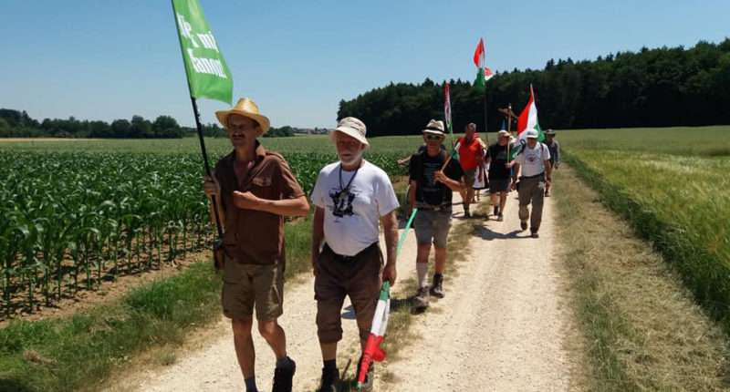 A 50-day pilgrimage from Budapest to Versailles against the Treaty of Trianon