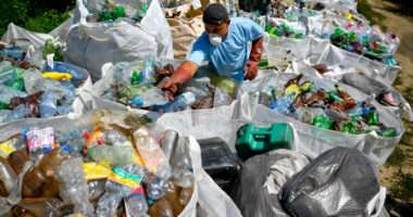 Clearing River Tisza from 8,000 tons waste to take 4 months