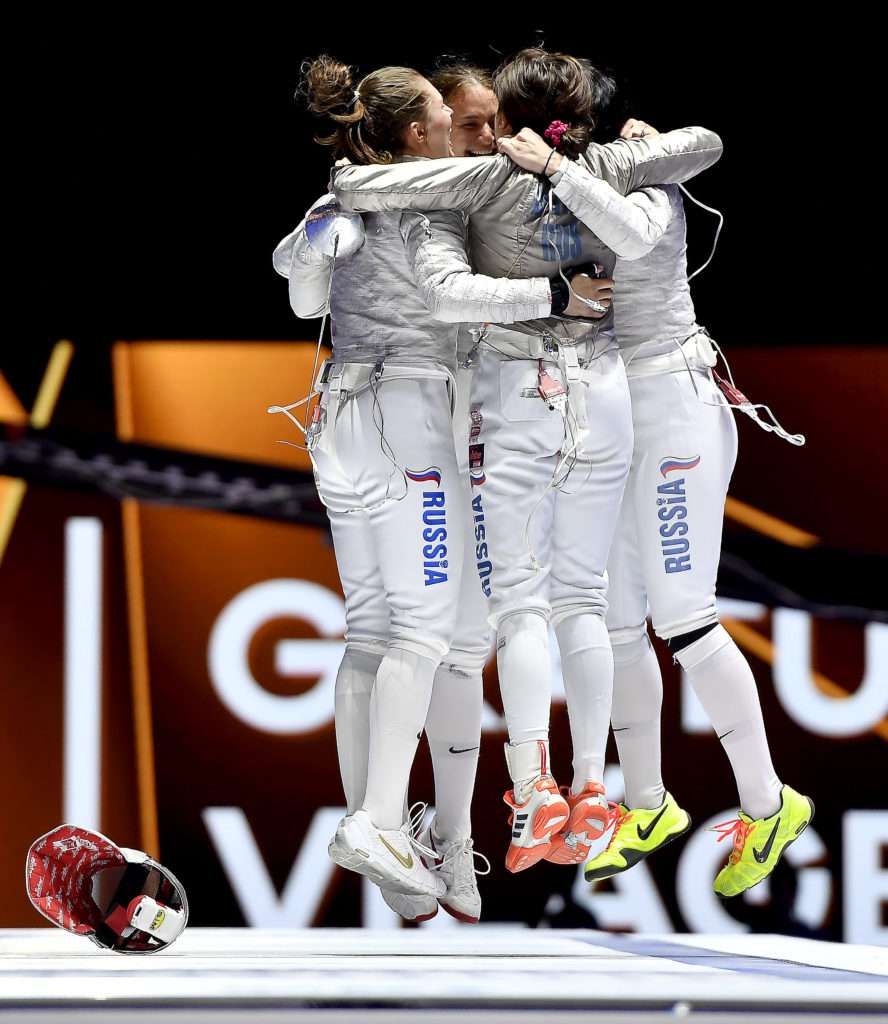 Fencing - Women's sabre team - Russia wins gold