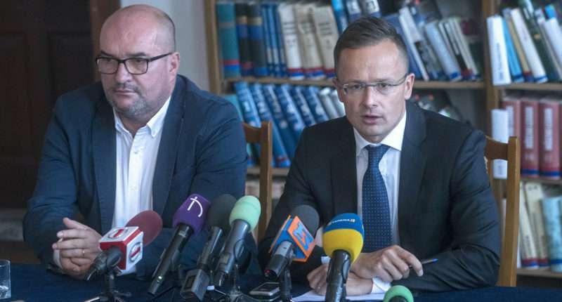 Hungarian FM SZIJJÁRTÓ Péter; BRENZOVICS László