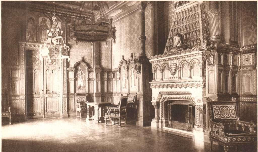 István Szent Hall, Budapest, castle