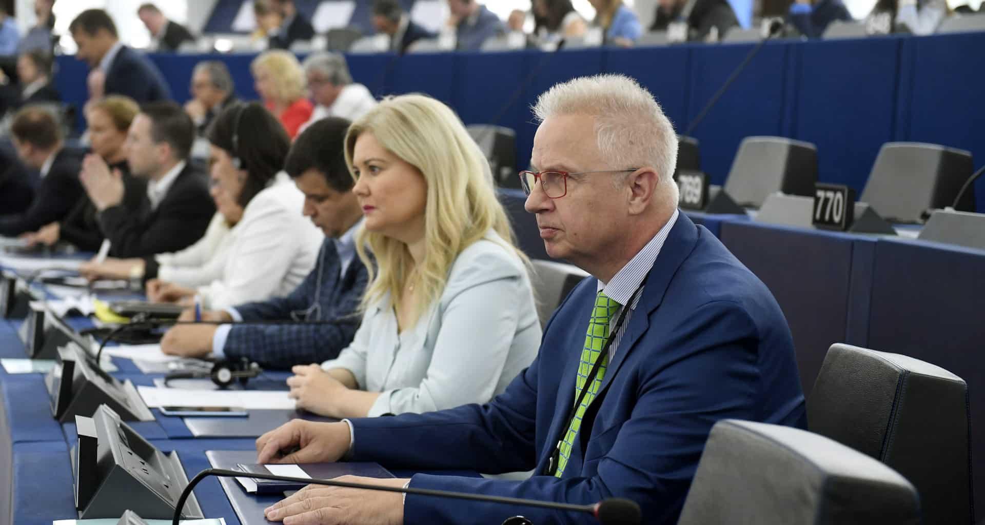 MEP Trócsányi