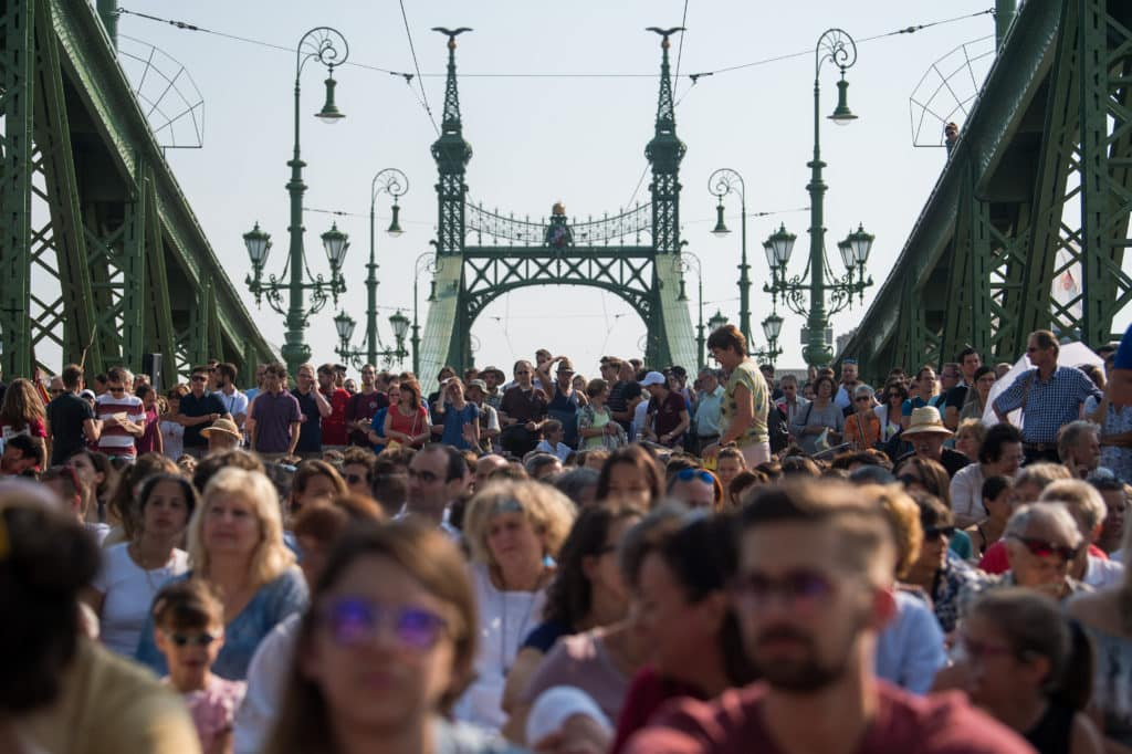 Mass was held on the Budapest's Freedom Bridge