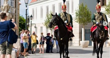 police horse budapest hungary hussar