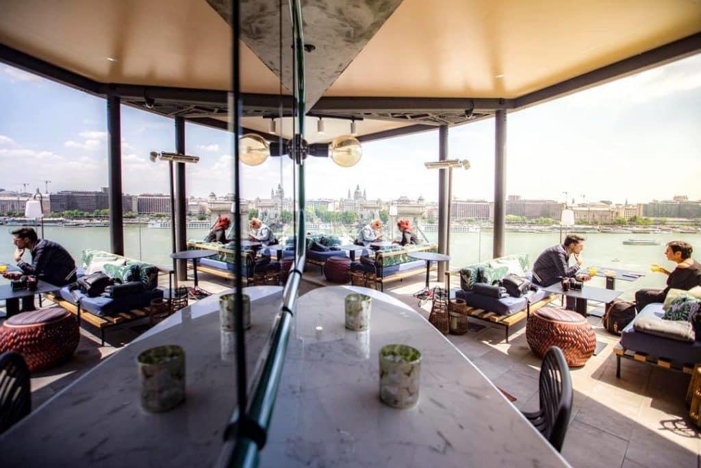 Leo bar, budapest, Hungary, bar, drink