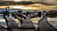bokod lake floating houses