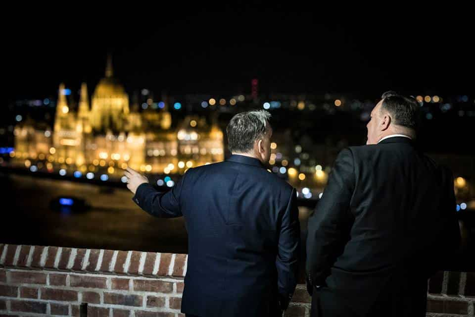 orbán parliament background