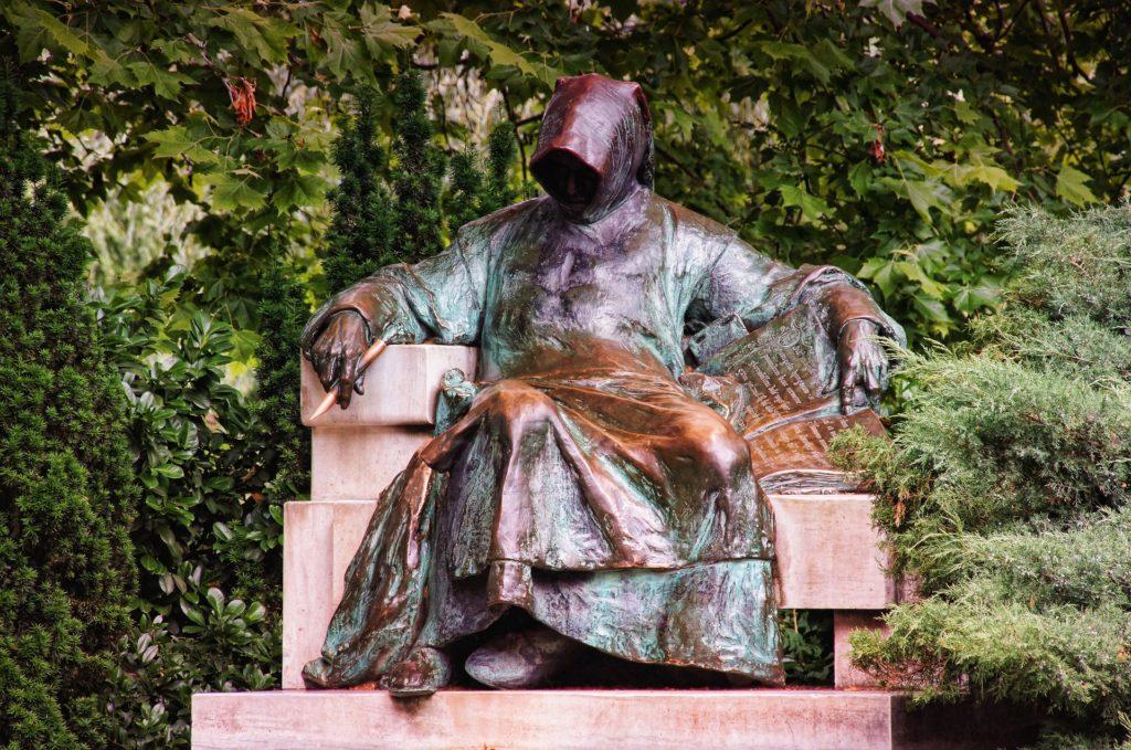 Anonymus, statue, Budapest
